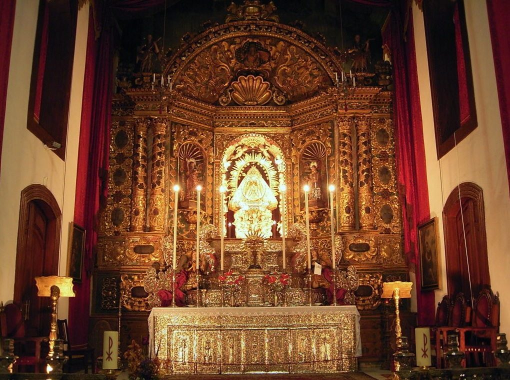 Santuario de Las Nieves sobre Santa Cruz de La Palma