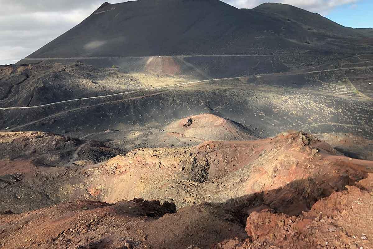 Volcan San Antonio y Teneguía en el sur de La Palma forman parte de las rutas imprescindibles en La Palma