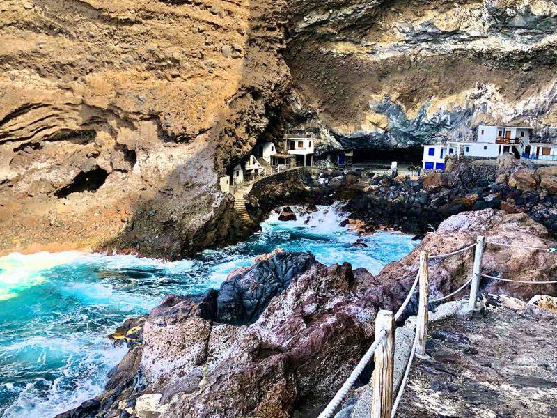 Cueva de los piratas en Tijarafe - La Palma